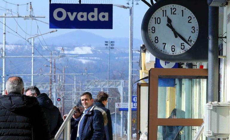 A giugno chiude la biglietteria della stazione ferroviaria di Ovada: pendolari pronti alla protesta