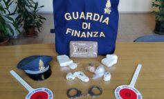 """""""Centrale dello spaccio"""" scoperta a Novi dalla Guardia di Finanza: un arresto, sequestrati due chili e mezzo di cocaina"""