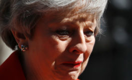 Theresa May ha gettato la spugna