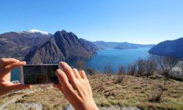 Invia in Italia le foto della vacanza in Australia fatte con lo smartphone e a casa gli arriva una maxi bolletta telefonica da più di centomila euro