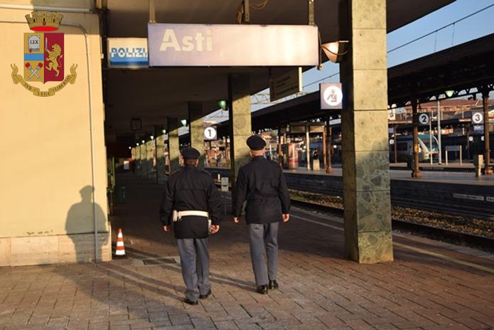 Cercò di rapinare due donne nel sottopasso della stazione: in manette trentottenne nigeriano