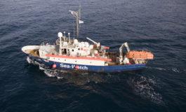 Nave Sea Watch carica 65 migranti, Salvini: non entri nelle acque italiane
