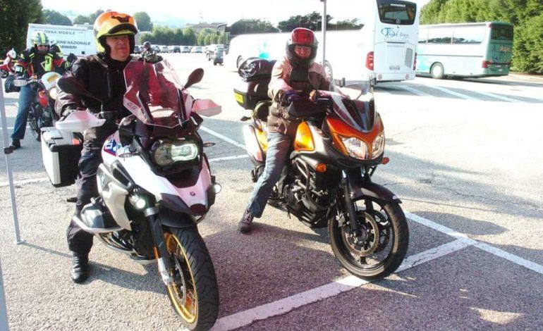 Motociclista albese si sente male e muore al rientro da un tour con gli amici centauri