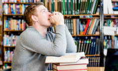 In Australia alcune scuole cattoliche stanno eliminando i termini maschili nelle preghiere