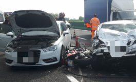 Tamponamento a catena sulla A4: un morto, traffico in tilt con deviazioni