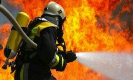 Distrutto dalle fiamme un capanno degli attrezzi a Valenza