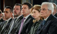 L'Italia è in ballo tra un presidente abusivo, i tradimenti di palazzo e la secessione alle porte