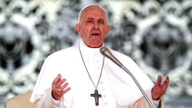 Bergoglio va alla guerra contro i sovranisti