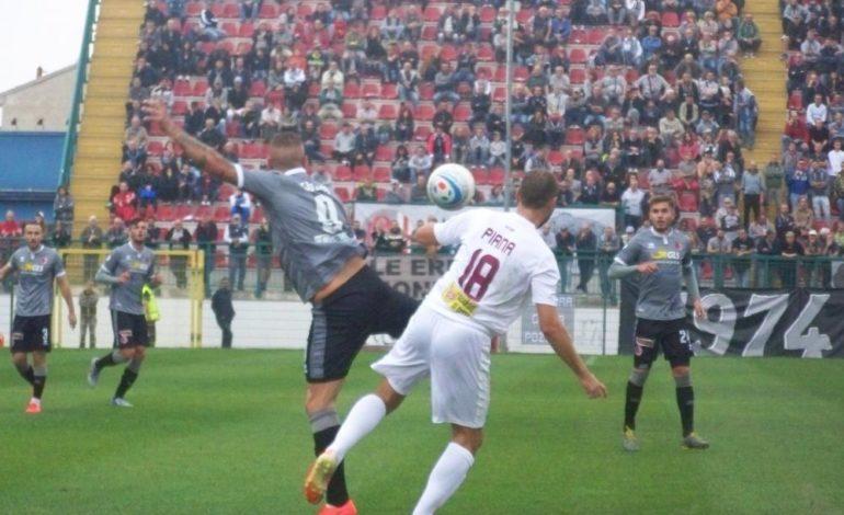 """L'Alessandria perde l'imbattibilità: al """"Mocca"""" passa il Pontedera per 2-0. Grigi ora più lontani dalla vetta"""