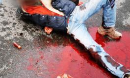 Sempre molto gravi le condizioni del pregiudicato quarantenne ferito alla gola e trovato in un lago di sangue nel parcheggio di piazza Garibaldi