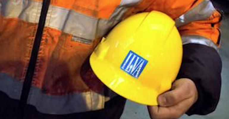 Sciopero all'ex Ilva: adesione totale dei dipendenti davanti alla Prefettura ad Alessandria