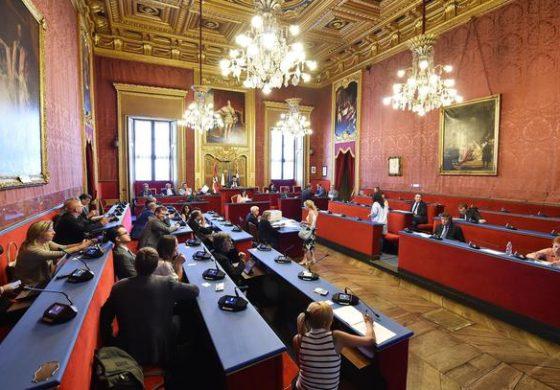 Anche a Torino, come a Roma, il Movimento 5 Stelle continua a perdere pezzi