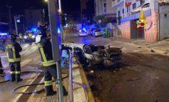 Due morti carbonizzati in un incidente stradale a Genova