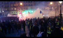 Parigi, manifestazioni e scontri sulle pensioni: fiamme anche a Place de la Republique