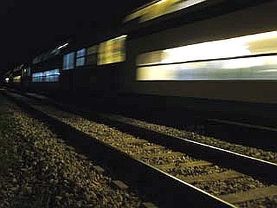 Giovane di 19 anni muore finendo sotto un treno, ma si escluderebbe l'ipotesi del suicidio