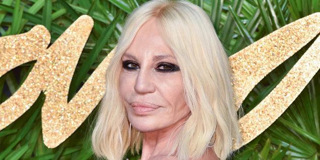 """Donatella Versace: """"Dico basta alle pellicce, non voglio uccidere animali per fare moda"""""""