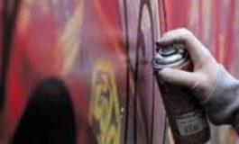 Graffitari in azione a Casale