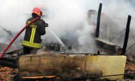 Cascina semidistrutta dal fuoco divampato forse per un cortocircuito