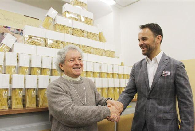 """Cristiano Bilucaglia: """"A Natale con le bollette azzerate doniamo panettoni ai poveri"""""""