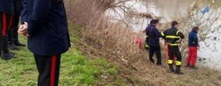 Mentre si cerca il corpo del giovane che si sarebbe buttato dal Meier, i carabinieri hanno trovato un cadavere galleggiante sul Tanaro a Felizzano