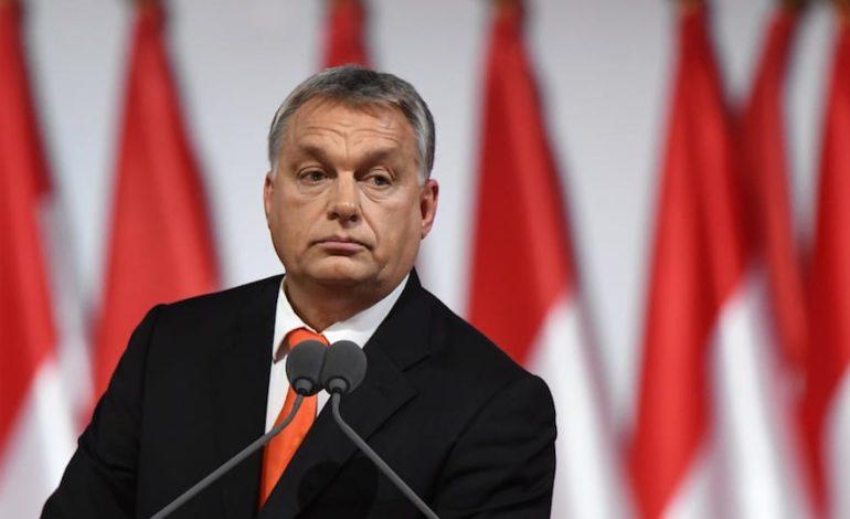 Ppe sospende il partito di Orban che s'è permesso di opporsi a Soros