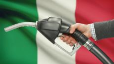 Il prezzo della benzina vola: superati i 2 euro