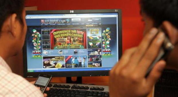 Sale da gioco mascherate da internet point: otto denunciati per frode informatica e truffa ai danni dello Stato