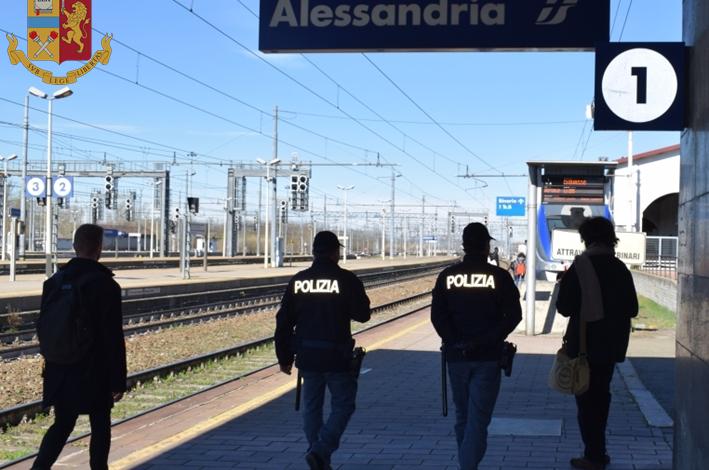 Litigano in stazione per la droga, fermati dagli agenti Polfer