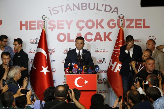 Istanbul: vince il candidato dell'opposizione, sconfitta per Erdogan
