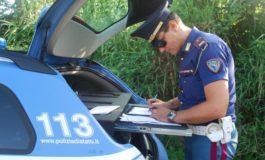 La Polizia Stradale di Ovada ferma camion che trasportava venticinque tonnellate di pesche marce destinate ad un'azienda dell'Alto Adige