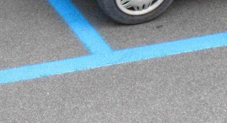 Parcheggi gratis a Valenza negli spazi blu dal 5 al 17 agosto