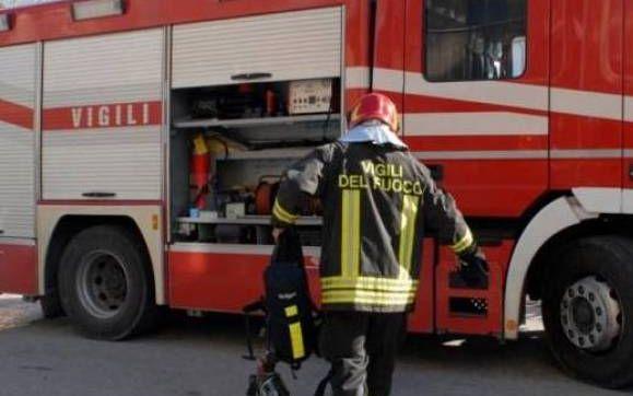Alloggio in fiamme al quartiere Cristo in un condominio gestito dall'ATC