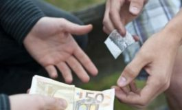Spaccio di droga: la Polizia ferma due uomini e sequestra quattordici dosi di marijuana