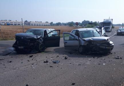Scontro tra due auto a Spinetta Marengo: tre feriti