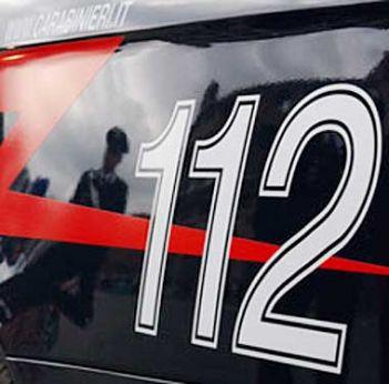 Festa privata tra salvadoregni degenera in una rissa a colpi di coltello e machete: trentaduenne ferito gravemente