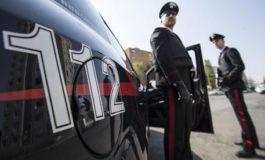Si chiude in macchina e tenta di uccidersi con il monossido di carbonio: ristoratore dell'acquese salvato da due Carabinieri fuori servizio