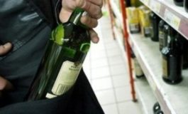 Rubò superalcolici in un market del Veneto nel 2013: rintracciata ad Asti, è finita ai domiciliari