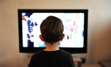 Indottrinati via cavo da programmi web della BBC, in dieci anni i bambini che vogliono cambiare sesso sono aumentati del 4400%, ma non gli dice nessuno che il sesso non si può cambiare