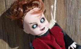 Follia negli Usa: donna ama e sposa una bambola zombie