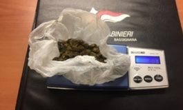 """""""Pizzicato"""" con dieci grammi di marijuana in auto: denunciato"""