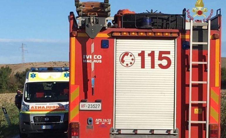 Furgone carico di vetro prende fuoco sulla A21: intervento dei Vigili del Fuoco ma il mezzo è andato distrutto