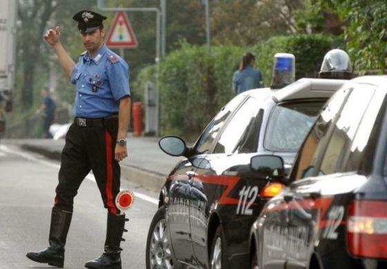 Carabinieri in strada: denunce e controlli