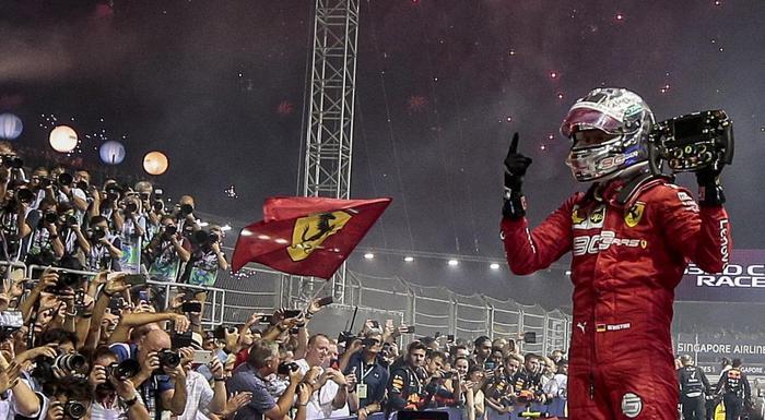 F1: doppietta Ferrari a Singapore, trionfa Vettel