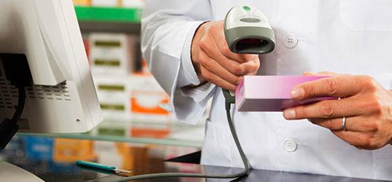 Faceva servire le medicine da un commesso: denunciato farmacista dell'astigiano che ora rischia guai con l'Ordine