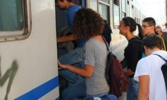 I treni partono troppo presto, disagi per gli studenti a Casale che devono per forza uscire prima: chiesto dal sindaco Riboldi un incontro con le Ferrovie