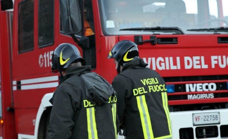 Fuga di gas a Novi Ligure tra via Crispi e via dei Mille durante i lavori a delle tubature: nessun ferito
