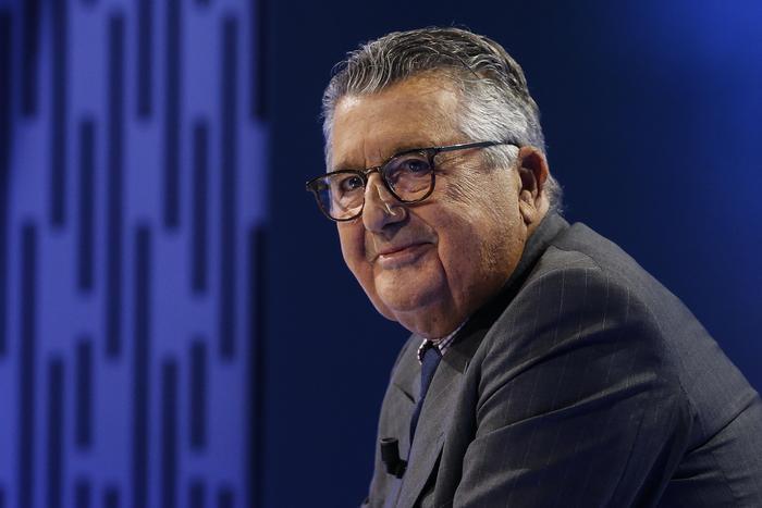 De Benedetti presenta offerta per Gedi, ma Cir la respinge