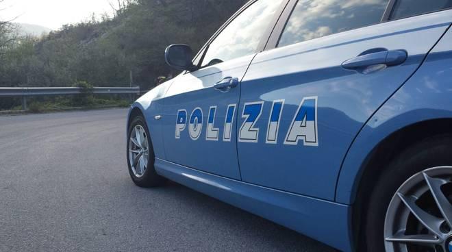 Dopo le minacce si presenta dall'ex fidanzata con una spranga: arrestato ventiseienne