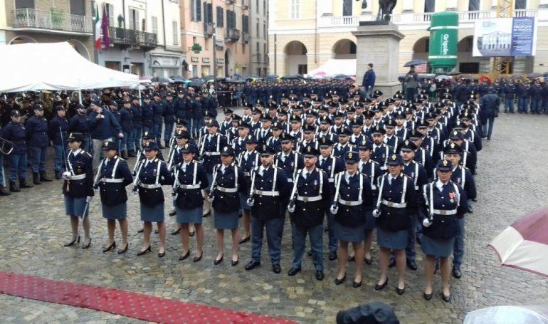 A Casale il giuramento solenne degli Allievi della Scuola di Polizia di Alessandria: premiati quattordici agenti per alto senso del dovere