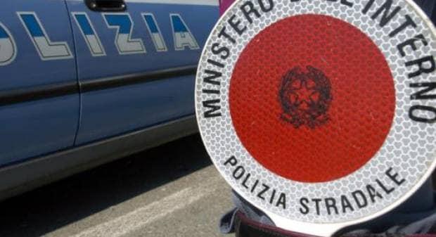 Rapinata dei gioielli, per un valore di centomila euro, al casello di Arenzano: vittima un'alessandrina